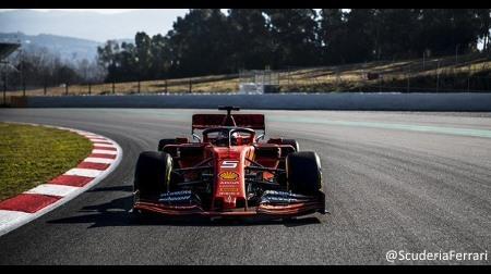 フェラーリがSF90をシェイクダウン
