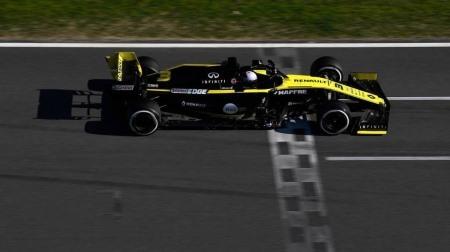 リカルド、ルノーF1にテコ入れ