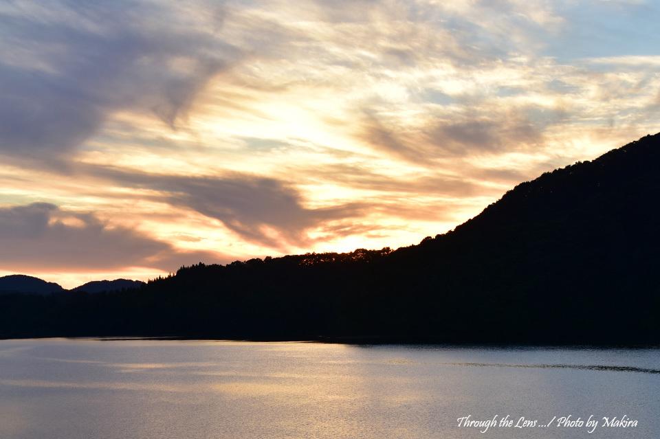 日没の桧原湖56D1