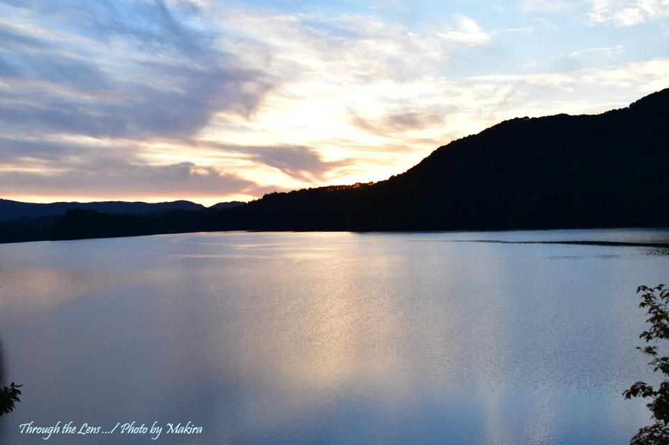 日没の桧原湖56D2