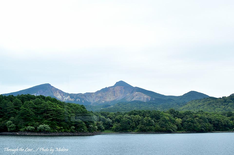 磐梯山爆裂口1