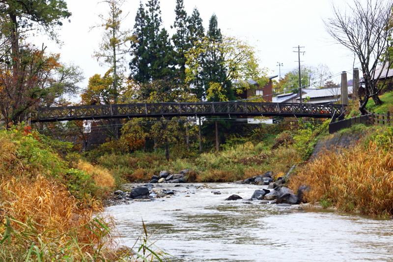 大出の吊り橋