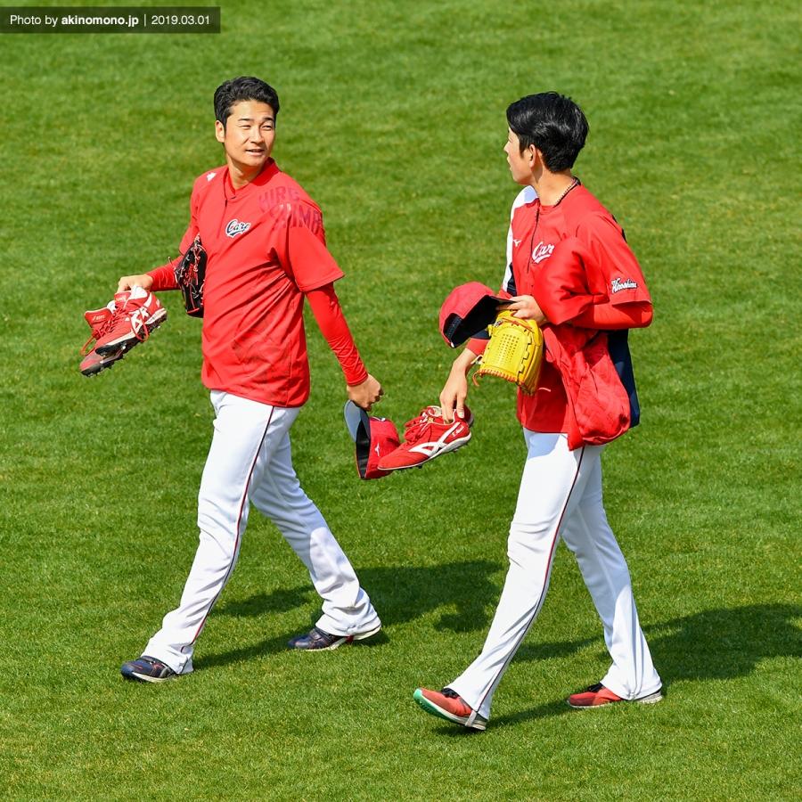 島内颯太郎投手と遠藤淳志投手