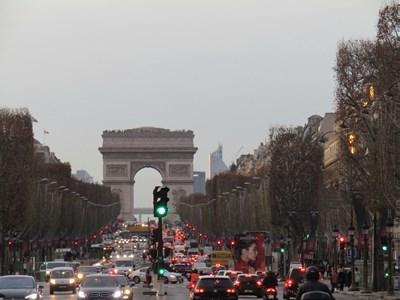 パリ2018年12月8