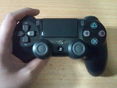 PS4デュアルショック4E