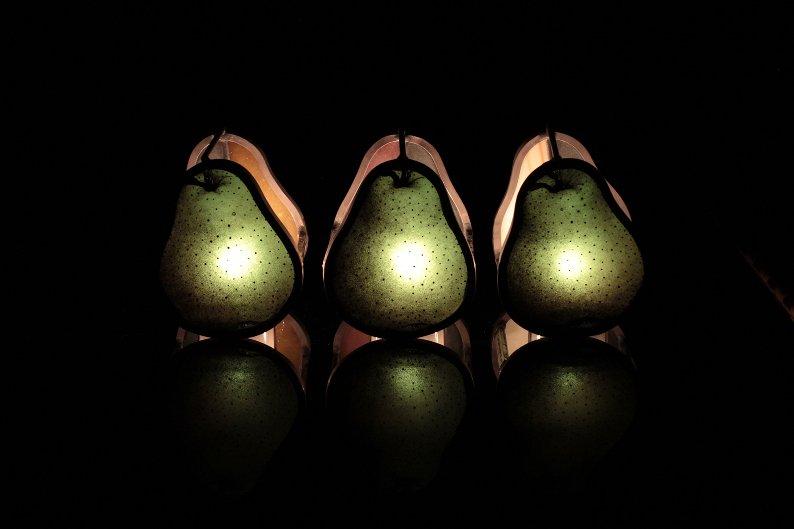 洋梨の形をした3つの小品 01