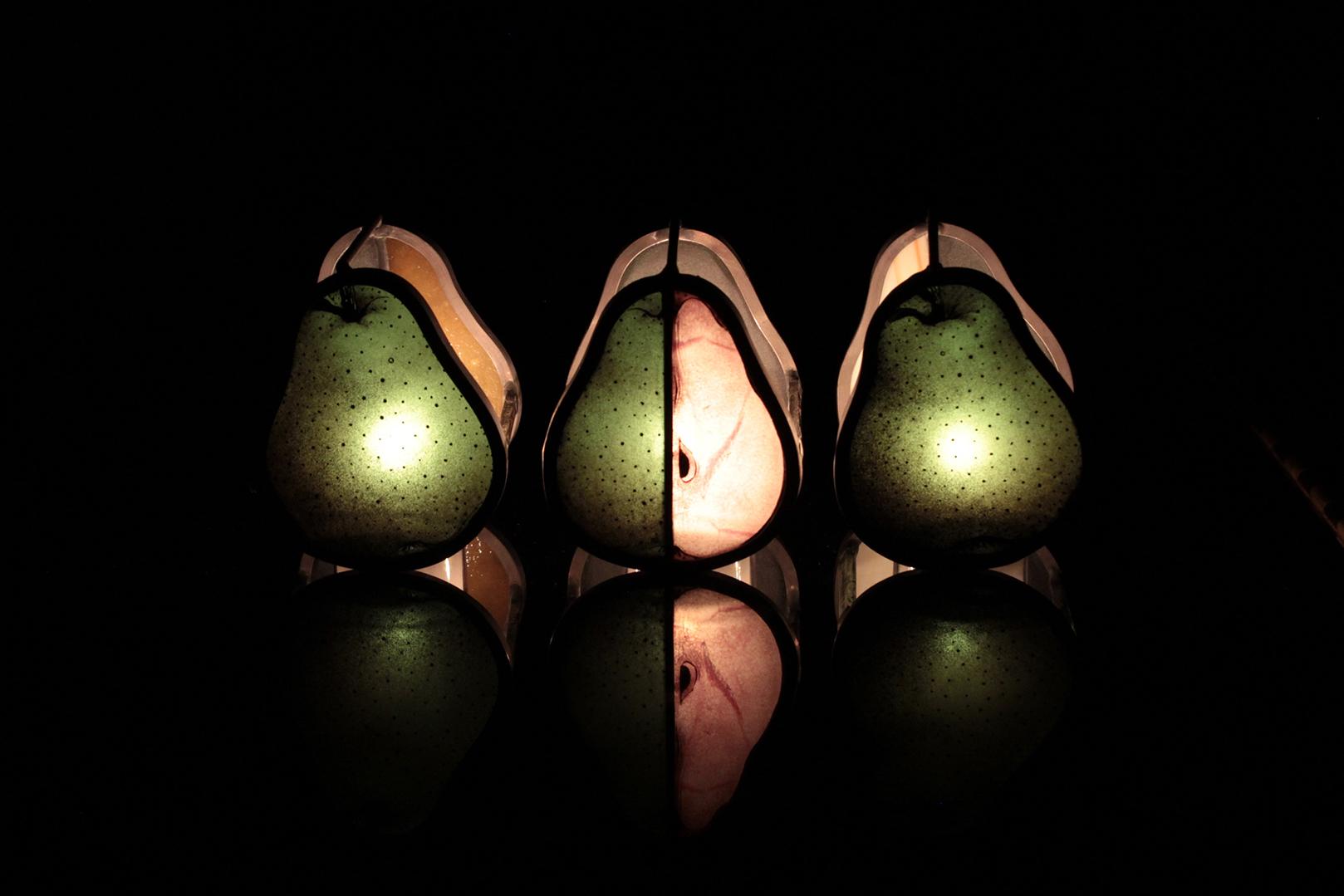 洋梨の形をした3つの小品 02
