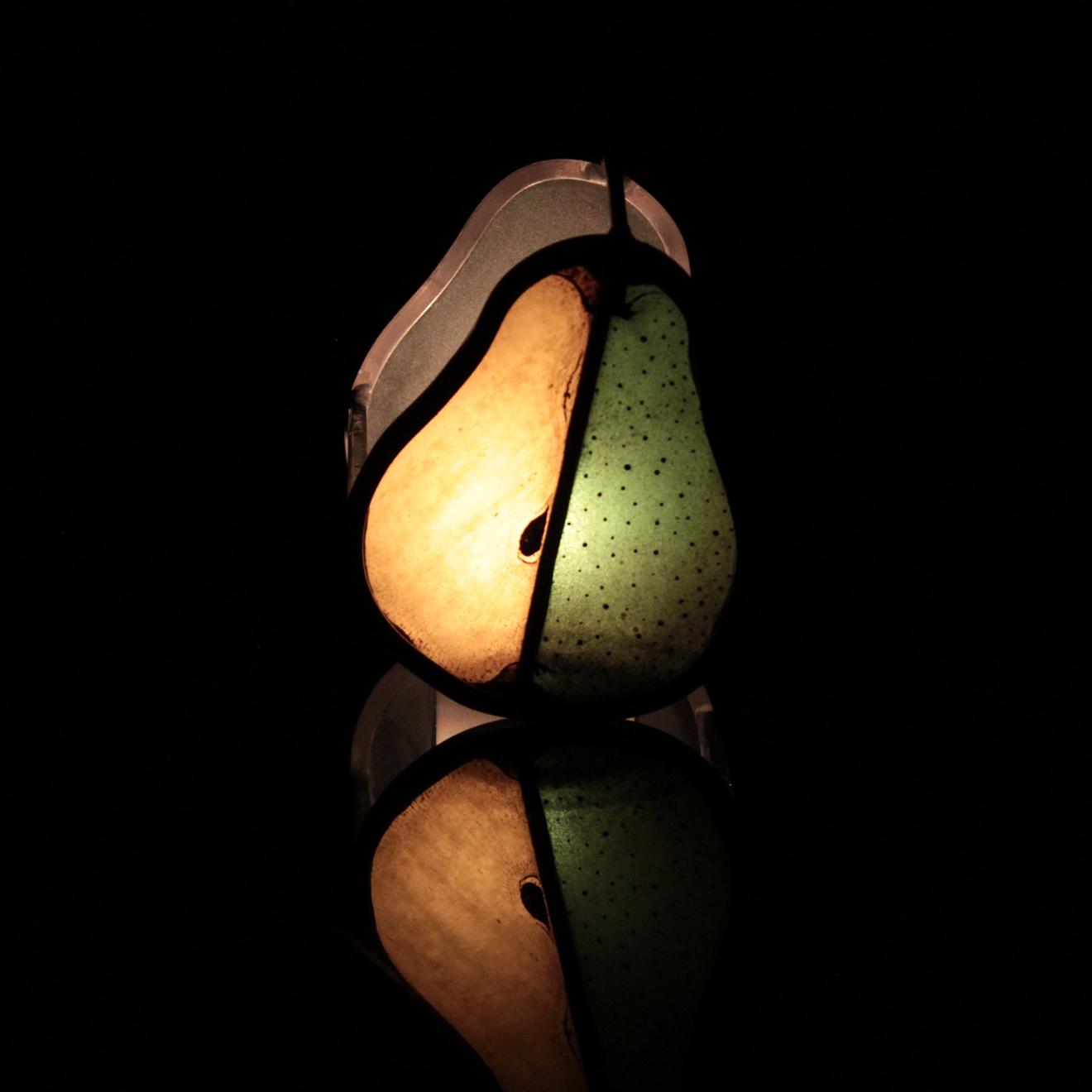 洋梨の形をした3つの小品 04