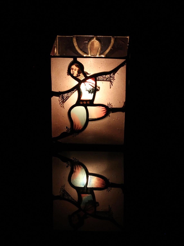 踊る人形 03