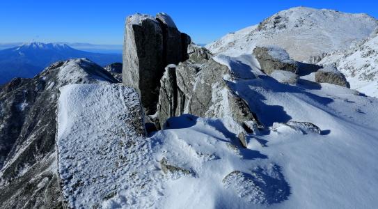 西駒ヶ岳と霊峰御岳山