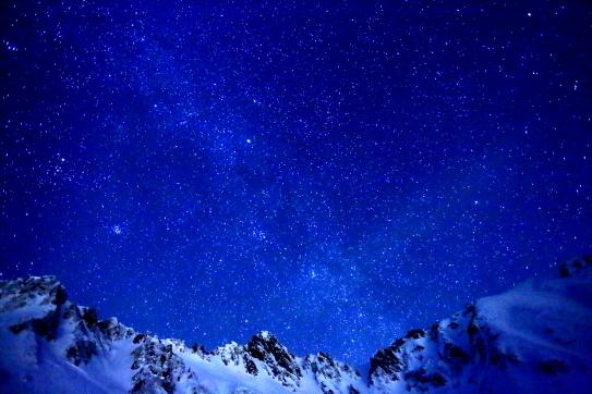 宝剣岳と天の河煌めく星空