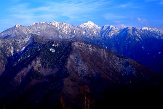 白銀の東駒ヶ岳山群