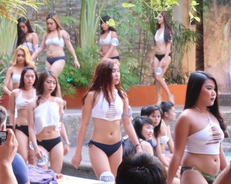 swimsuit contest120818 (36)