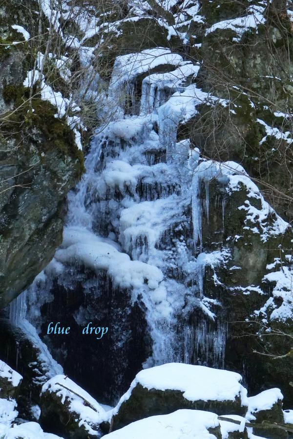 凍てつく滝*