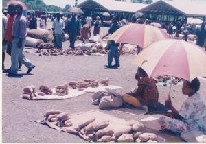 ラエの町の市場