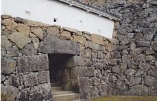 姫路城るの門埋門