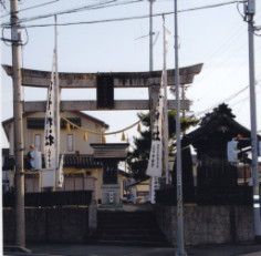 秋葉神社浜北小松鳥居と鞘堂