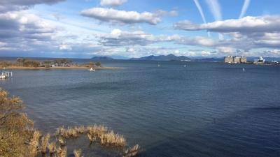 琵琶湖大橋西詰めから眺めた北湖(12月8日13時40分頃)