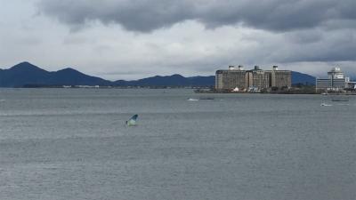 琵琶湖大橋西詰めから眺めた北湖(12月9日11時45分頃)