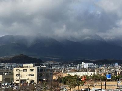 琵琶湖大橋西詰めから眺めた比良山(12月24日13時頃)