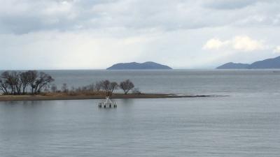 琵琶湖大橋西詰めから眺めた北湖(1月24日12時50分頃)