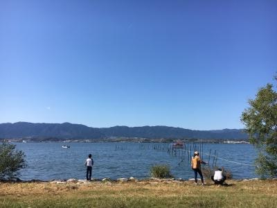 木浜5号水路近くの湖岸から眺めた琵琶湖南湖