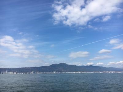晴天微風の琵琶湖南湖(11月25日11時50分頃)