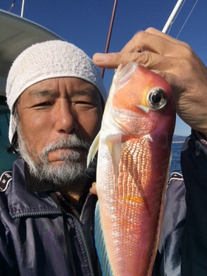 あけましておめでとうございます!! 初釣りの釣果のアマダイです(笑)