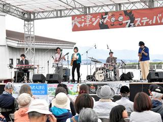 10月13日から始まった大津ジャズフェスティバルのステージ