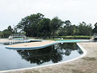 服部緑地ウオーターランドの流水プール