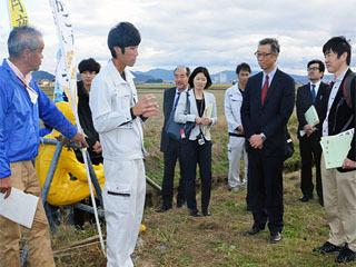 世界農業遺産の審査委員らが琵琶湖システムを視察