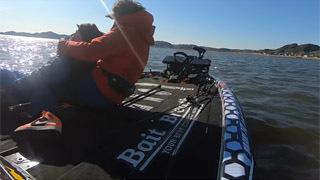 北浦のバスアングラーが転覆漁船の漁師2人救助(YouTubeムービー)