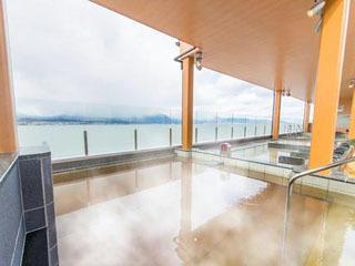 びわこを眺めながら入浴できる守山湯元水春の露天風呂