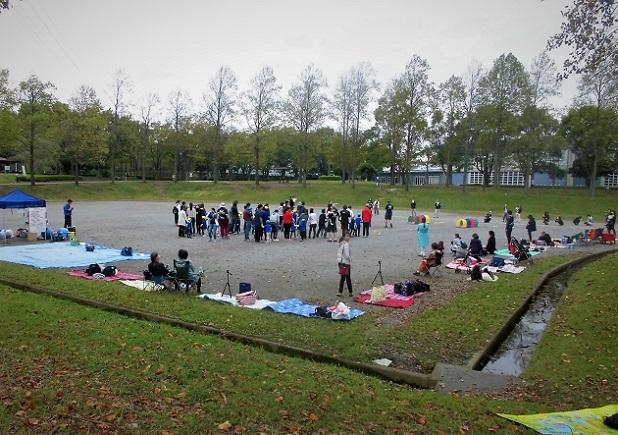 18.10.15 三橋運動公園。池の水抜きます  (34)