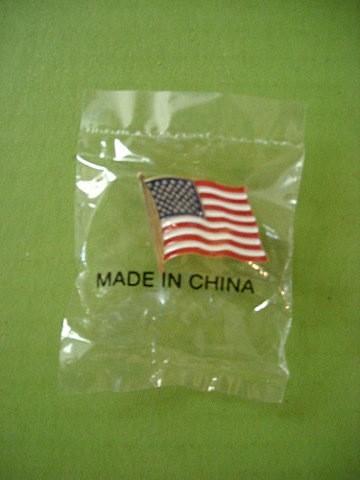 アメリカ国旗のバッジ(中国製)