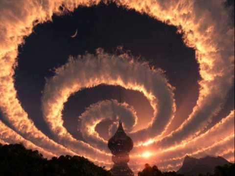 渦を巻く雲