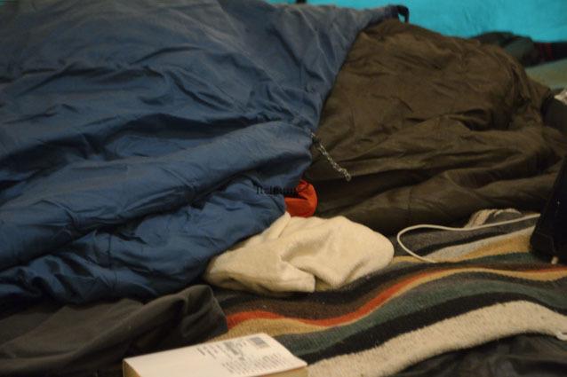 何がなんでもキャンプだし 椿荘オートキャンプ場 薪スト 冬キャンプ ダウンシュラフ 湯たんぽ