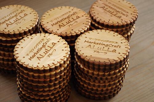 可愛いい木製のビスケットコースター