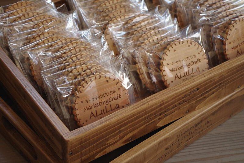 ノベルティーグッズの製作依頼で作った可愛い木製ビスケットコースター♪
