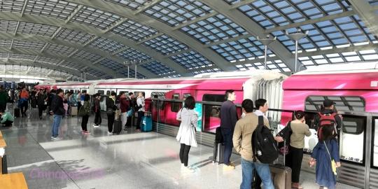 北京は上海から2.5時間。ほぼ東京へ行くのと同じくらいのフライト時間です