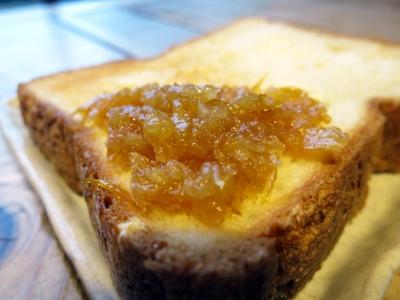 190207-1=自家製レモンジャム17x19 on 自家製食パン a枕流庵PBR