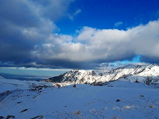 s-、1牛島さんの山の写真