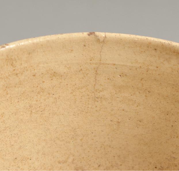 李朝初期白磁立壺