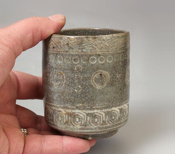 三島筒茶碗