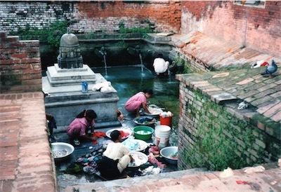 20年前に訪れたネパールの泉DtP3ICzU0AI2OJt