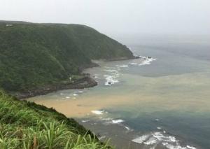 米軍着陸帯から赤土流出、海汚す 沖縄防衛局が地元に謝罪(琉球新報)2017061521261167c