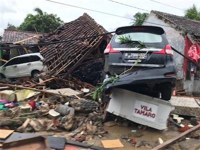 aa津波インドネシア