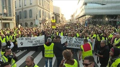aades_milliers_de_manifestants_a_nimes-3975157.jpg