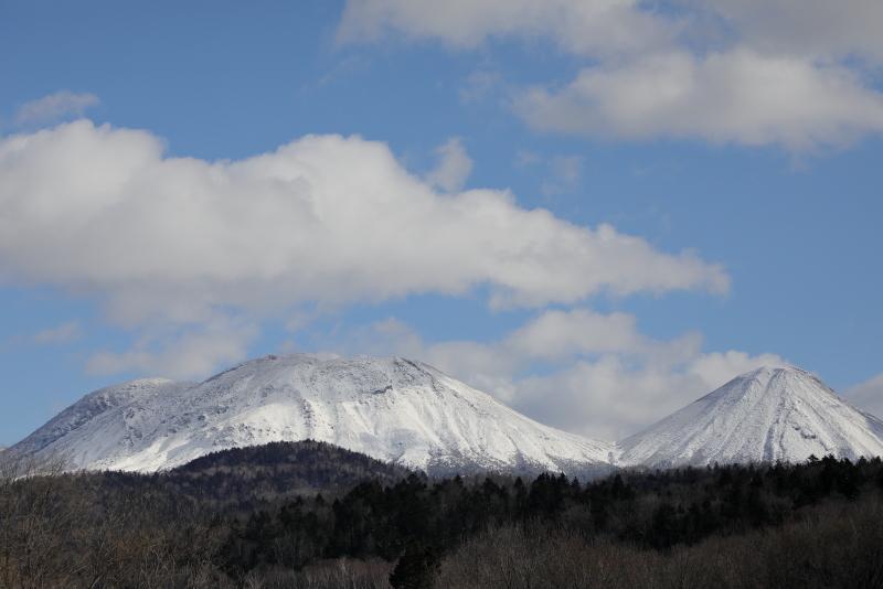 9062 雌阿寒岳と阿寒富士