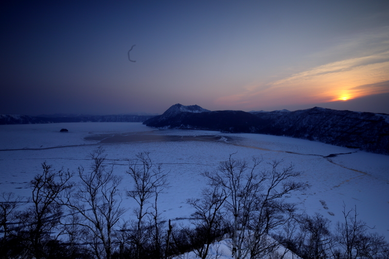 1020 結氷した摩周湖の朝